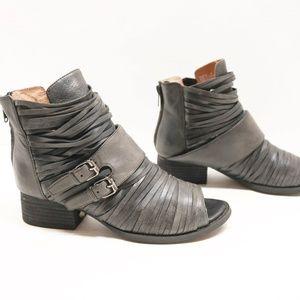 Jeffry Campbell women sandals size 6